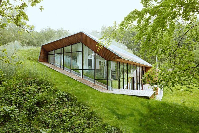 Maison vitrée semi-entérrée - Green Edifice
